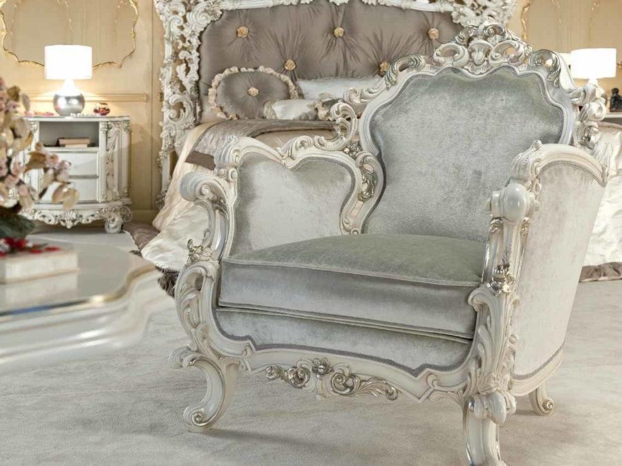 пример кресла в стиле рококо