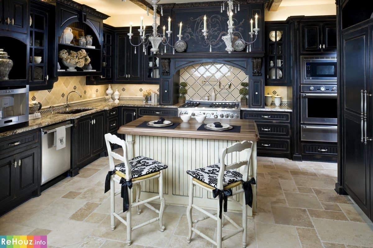 Готический стиль в интерьере кухни