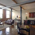 Интерьер гостиной в стиле лофт - фото (5)