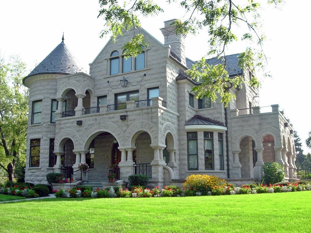 Романский стиль в частной архитектуре