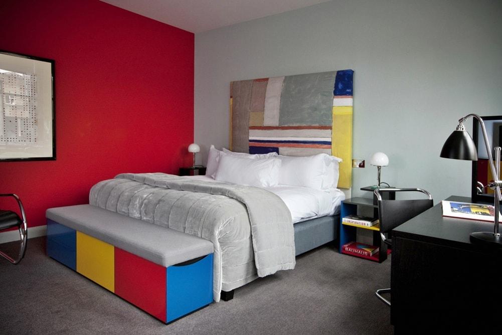 Стиль баухауз в интерьере спальной