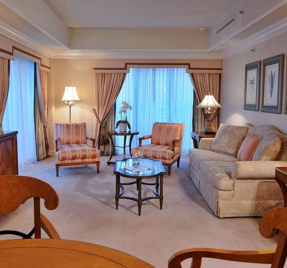 Современный бидермейер в интерьере гостиной фото
