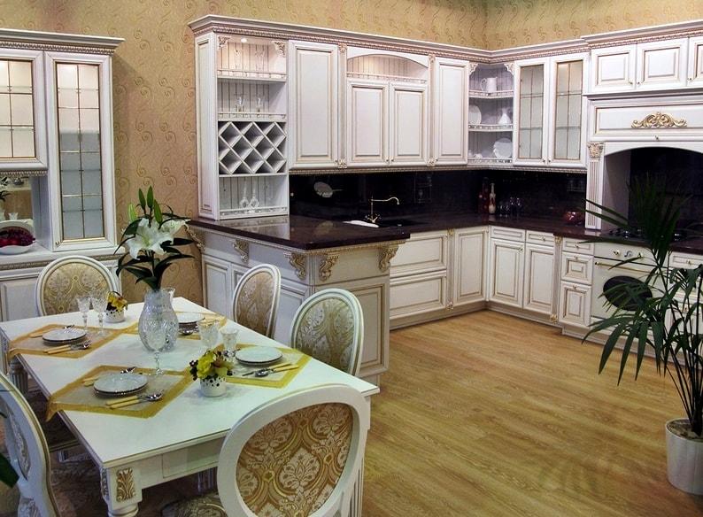 Стиль Версаль в интерьере кухни