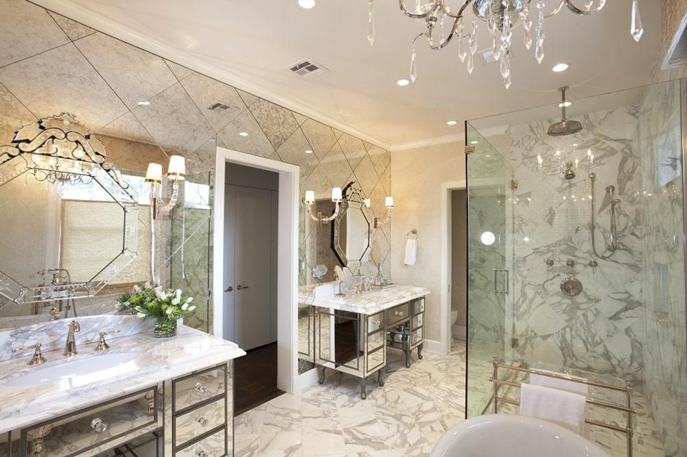 Венецианский стиль в интерьере ванной комнаты