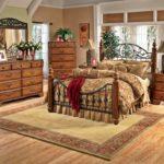 Стиль кантри в интерьере - мебель спальной комнаты