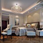 Стиль неоклассика в интерьере - двухъярусный потолок с подсветкой