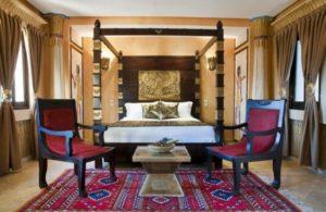 Кровать в египетском стиле
