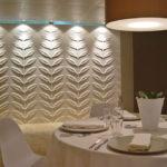 Гипсовые 3д панели в дизайне столовой зоны