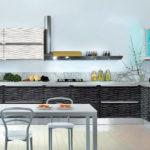Рельефные фасады в интерьере кухни фото