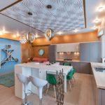 Дизайн стильной кухни с применением 3д панелей фото
