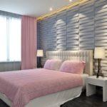 Рельефные панели в интерьере спальной комнаты