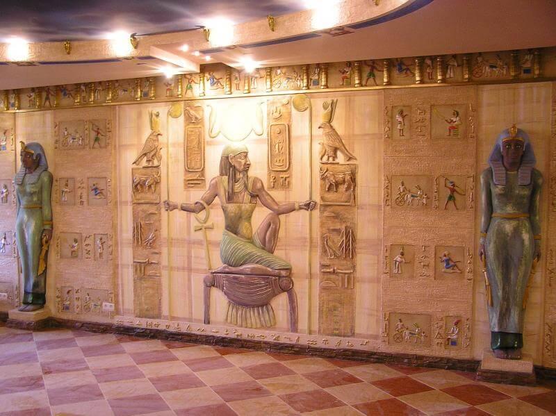 Египетский стиль в интерьере - отедка стен