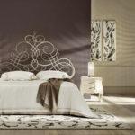 Красивое кованное изголовье кровати фото