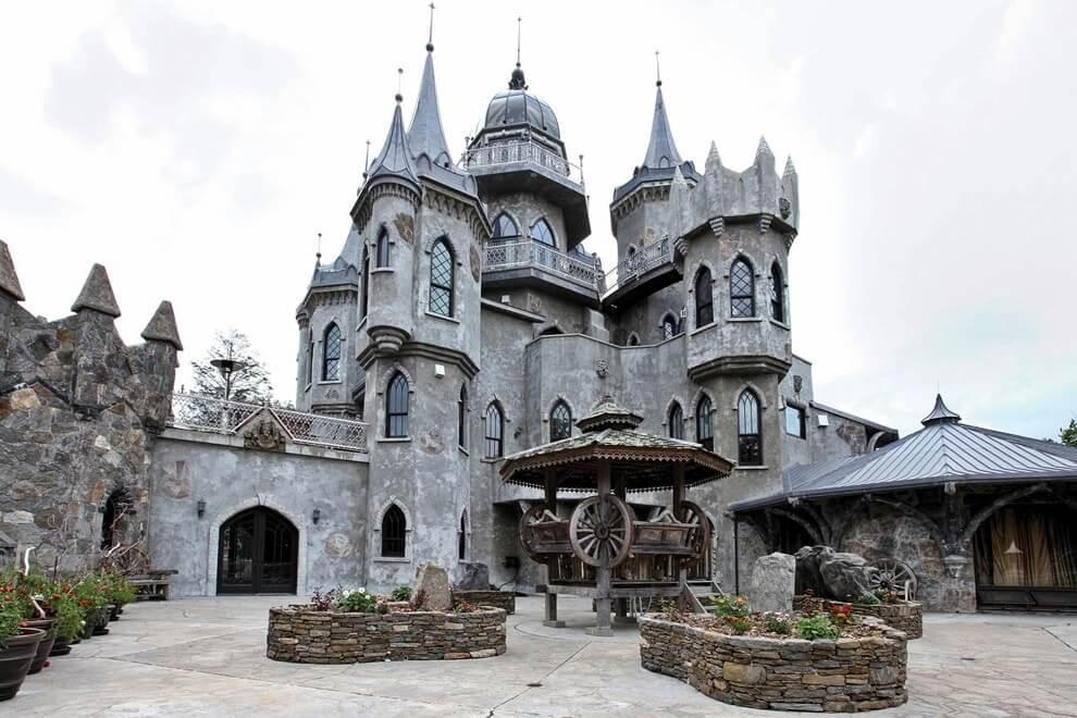 Крыша в готическом стиле
