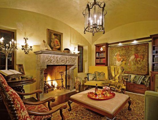 Дизайн гостиной в колониальном стиле фото