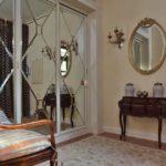 Стильные мебельные фасады декорированные зеркалами