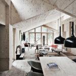 Просторный интерьер частного дома