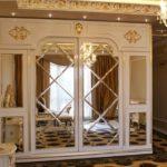 Отделка мебельных фасадов зеркальными панелями