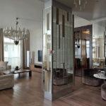 Оформление колонны зеркалами