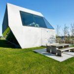 Загородный дом в стиле деконструктивизма