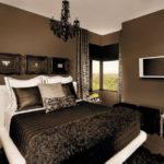 Коричневый интерьер спальной комнаты