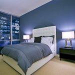 Приглушенный-синий в интерьере спальни