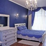Синий в интерьере спальни - фото