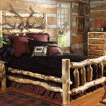 Кровать из массива в рустикальном стиле