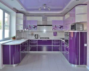 Дизайн кухни с фиолетовым цветом