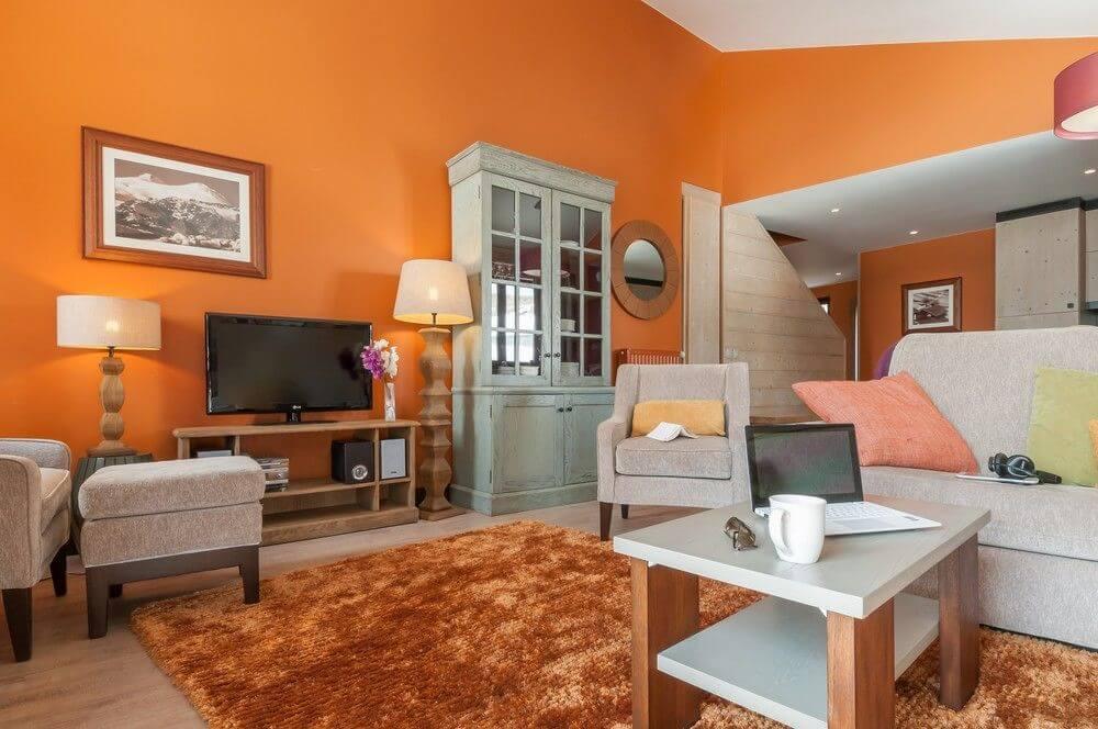Оранжевый и серый в интерьере