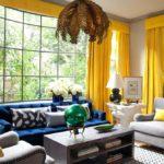 Желтые акценты в интерьере гостиной - фото