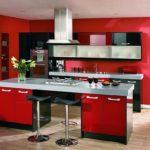 Стильная кухня в красном цвете