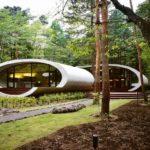 Современный загородный дом в стиле постмодерна