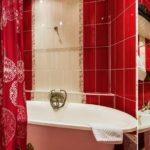 Красный цвет в интерьере ванной - фото