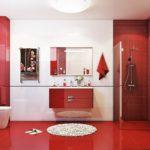 Красный цвет в интерьере санузла - фото