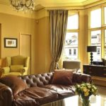 Желтый интерьер гостиной
