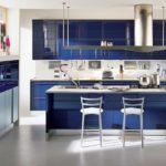 Синий в интерьере кухни - фото