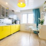 Желтый цвет в интерьере кухни - фото