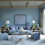 Голубой цвет в интерьере гостиной комнаты - фото