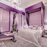 Шикарная спальня в фиолетовом цвете