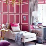 Дизайн гостиной в розовом цвете - фото