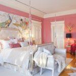 Роскошная спальня в розовом цвете
