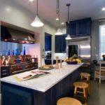 Синий в интерьере кухни