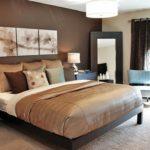 Спальная в коричневом цвете - фото