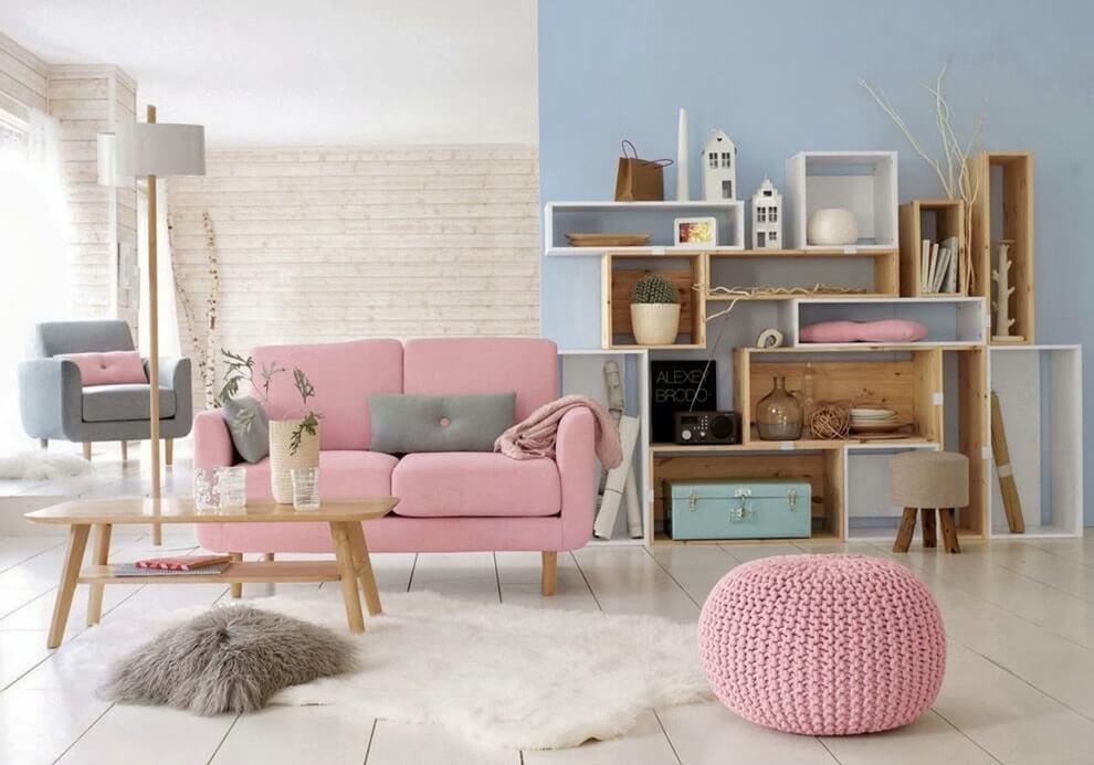 Стильная гостиная в розовом цвете