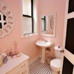 Туалет в розовом цвете