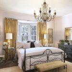 Потолочные люстры в интерьере спальни - фото 6