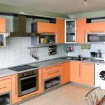 Кухонные фасады персикового цвета