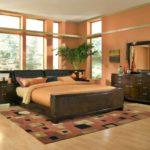 Дизайн спальни в персиковом цвете