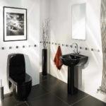 Черная сантехника в ванной комнате